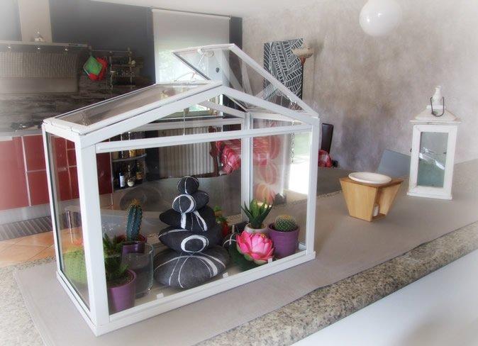 Mini-serra-decorativa-per-piante-grasse-Sognoametista