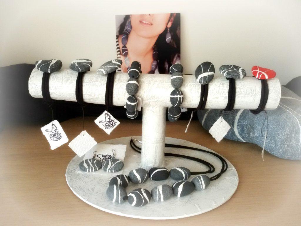 Idee Per Porta Orecchini porta gioielli fai da te: valorizza le vetrine riciclando
