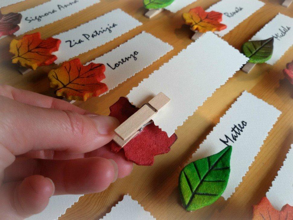 segnaposto con foglie