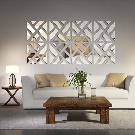 parete-decorata-con-specchi