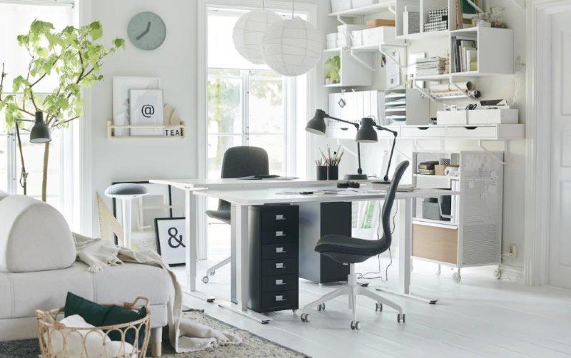 Angolo studio in soggiorno