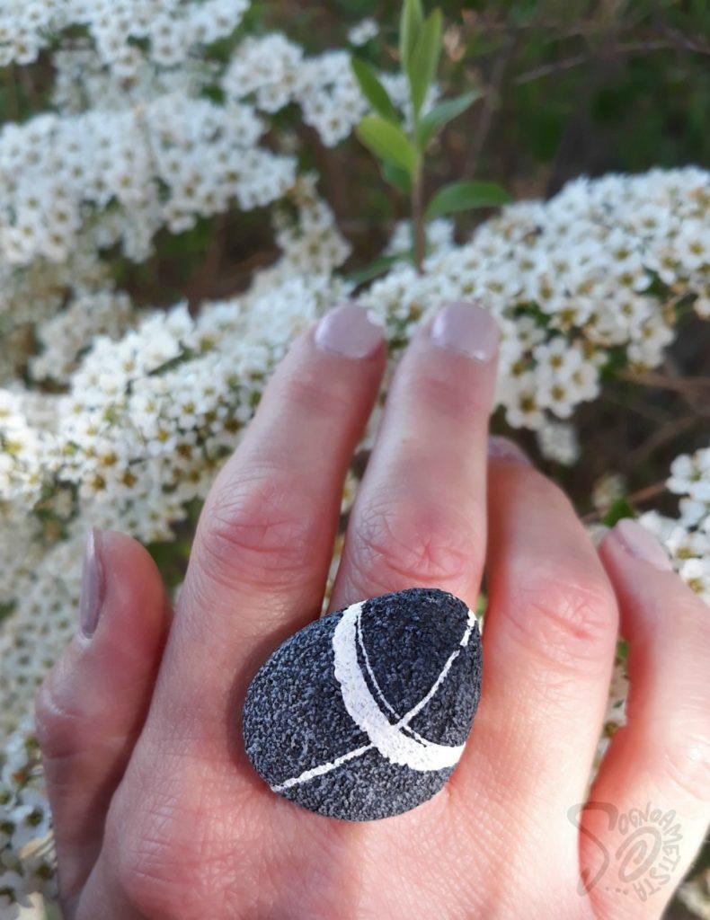 idea regalo amica anello ciottolo