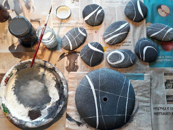 finte pietre dipinte a mano
